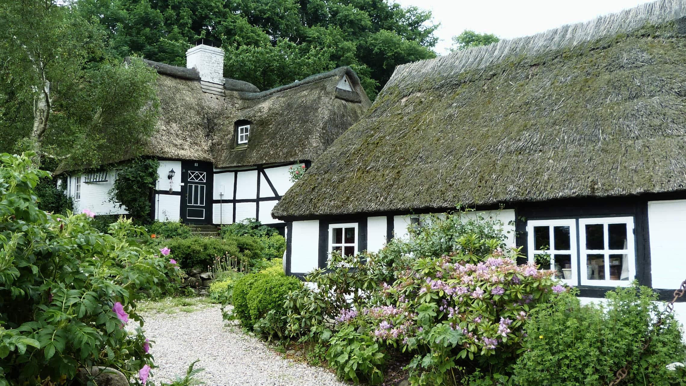 Sieseby gilt mit seinen Reetdachhäusern als schönster Ort in Schleswig-Holstein.